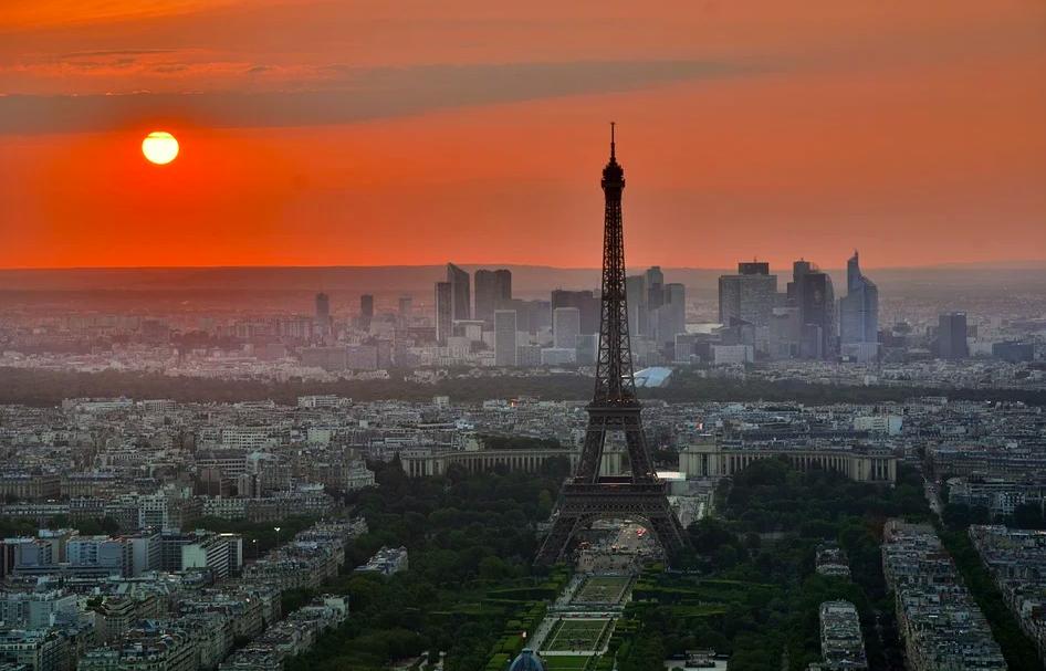 Суточный прирост случаевCOVID-19 впервые превысил во Франции 30 тысяч