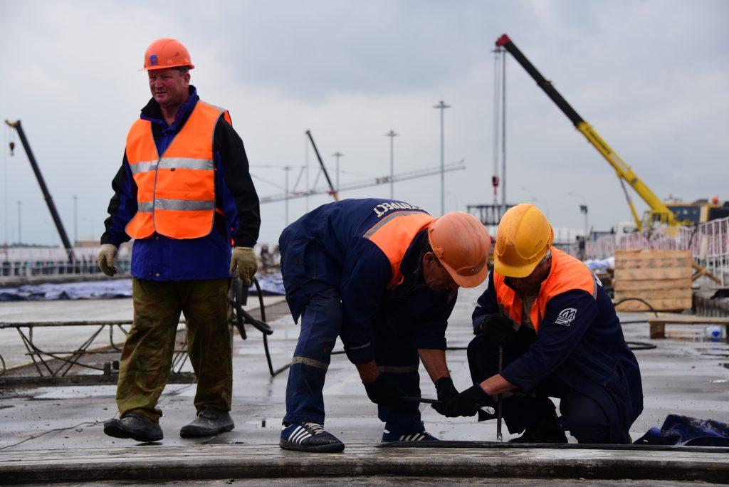 Укладку асфальта завершили на развязке МКАД и Волоколамского шоссе