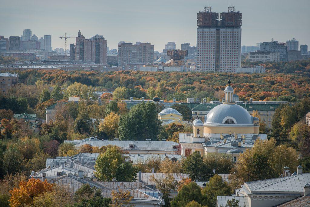 Москвичей ждет теплая и солнечная пятница