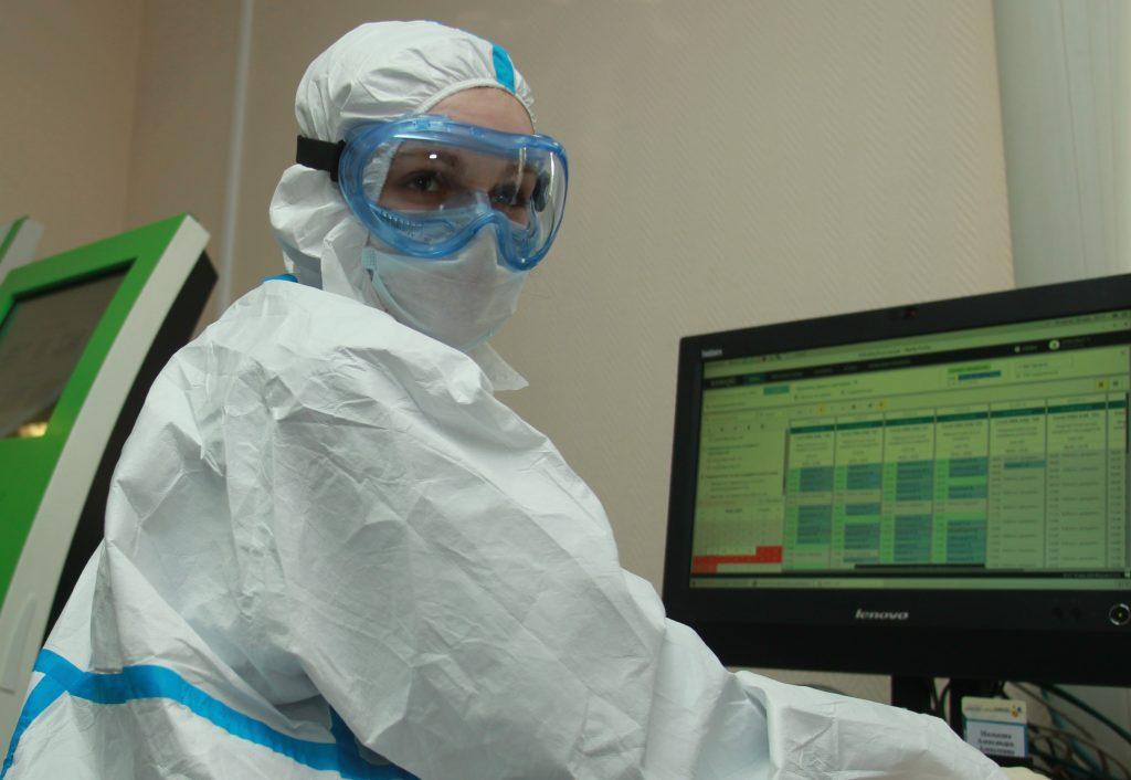Сдать ПЦР-тест на коронавирус можно в одной из 162 поликлиник. Фото: Наталия Нечаева, «Вечерняя Москва»