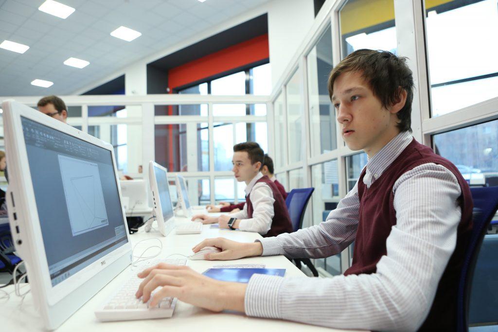 Школьников Москвы позвали на XV Открытую олимпиаду школьников по программированию
