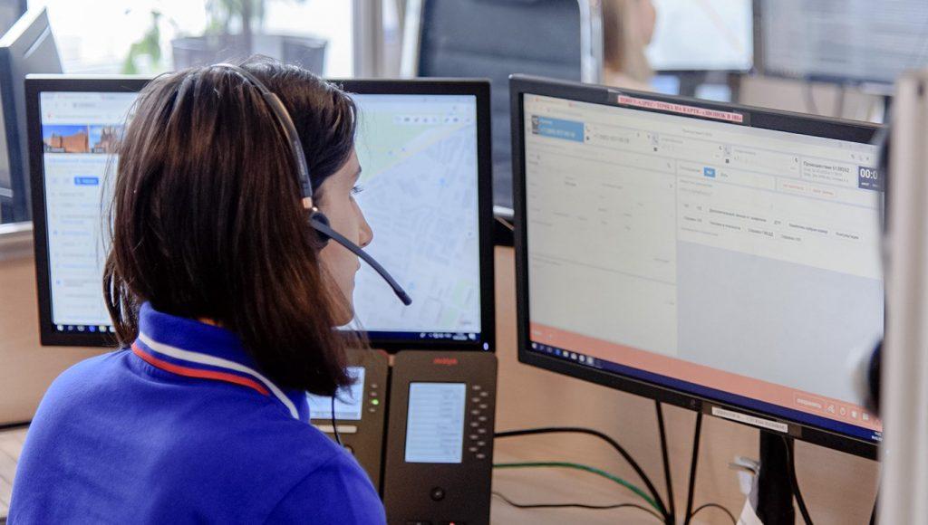 Искренняя служба: операторы справочной службы центра «Моя карьера» помогли 40 тысячам человек