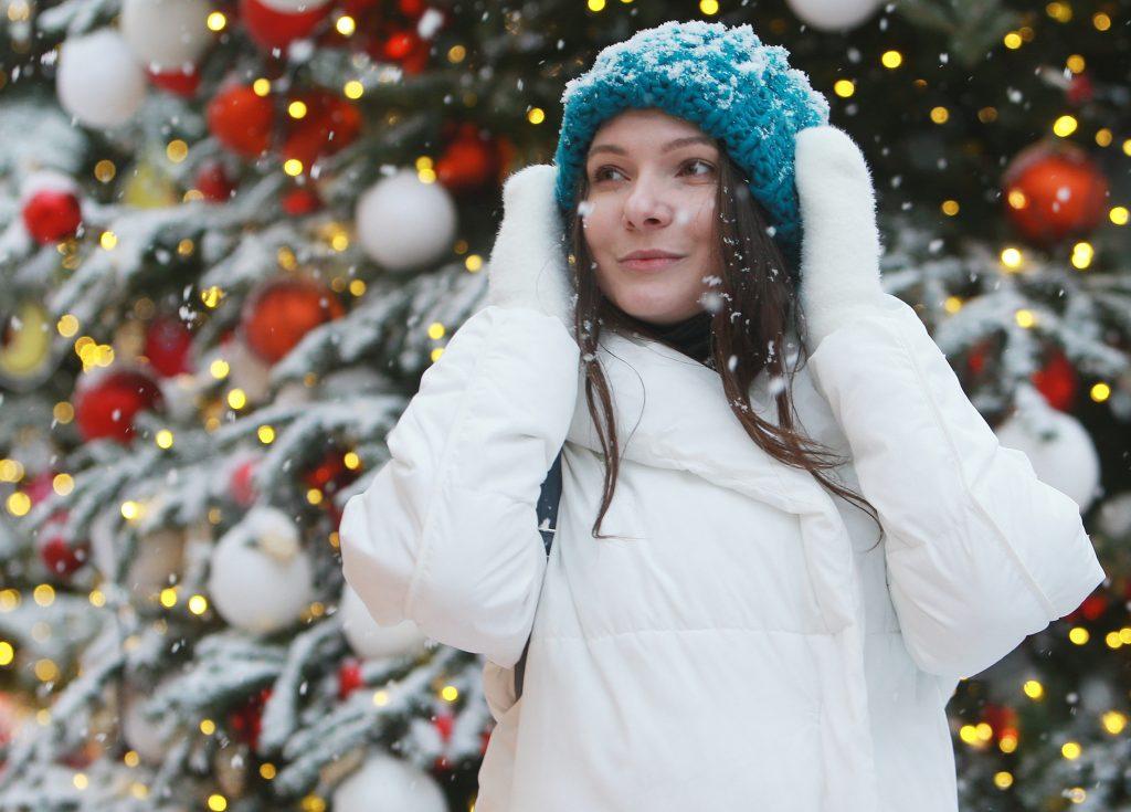 Фотофакт: москвичи гуляют по заснеженной столице