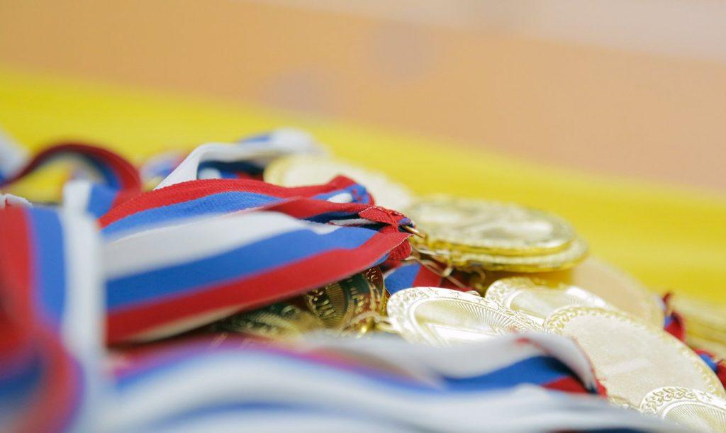 Золото и серебро выиграли женские сборные по футболу школы «Сокол»