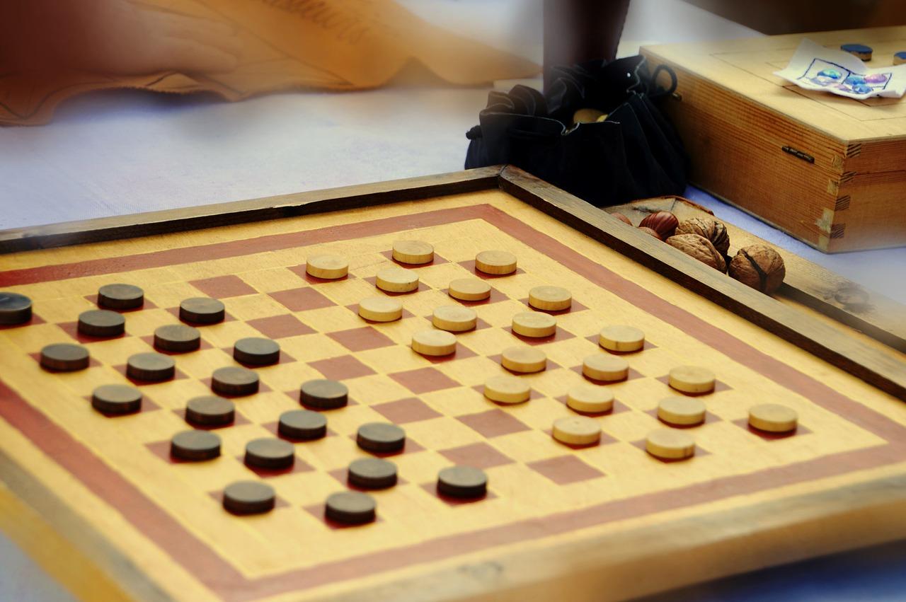 Третий тур по шашкам проведут онлайн в спортклубе Плехановского университета. Фото: pixabay.com