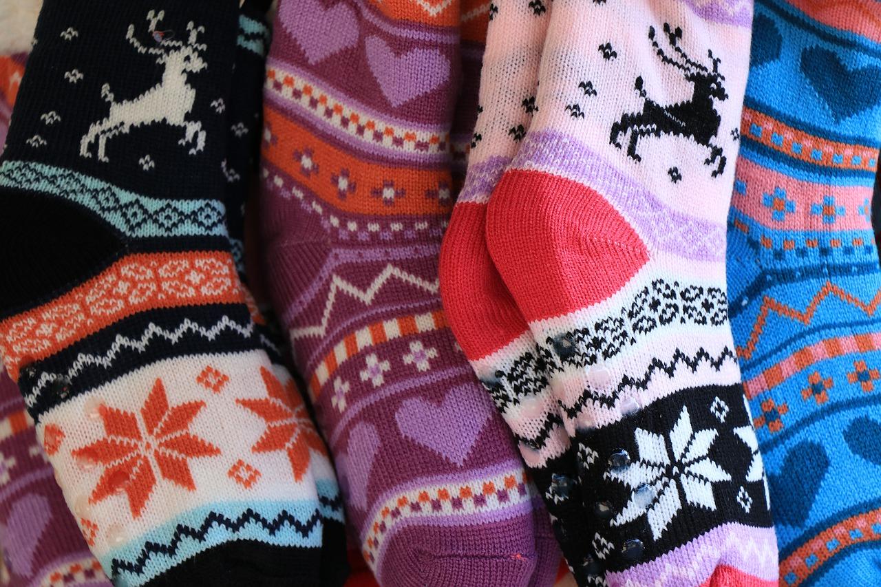 Новогодние игрушки из носочков изготовили на мастер-классе в Центре «Пресне». Фото: pixabay.com