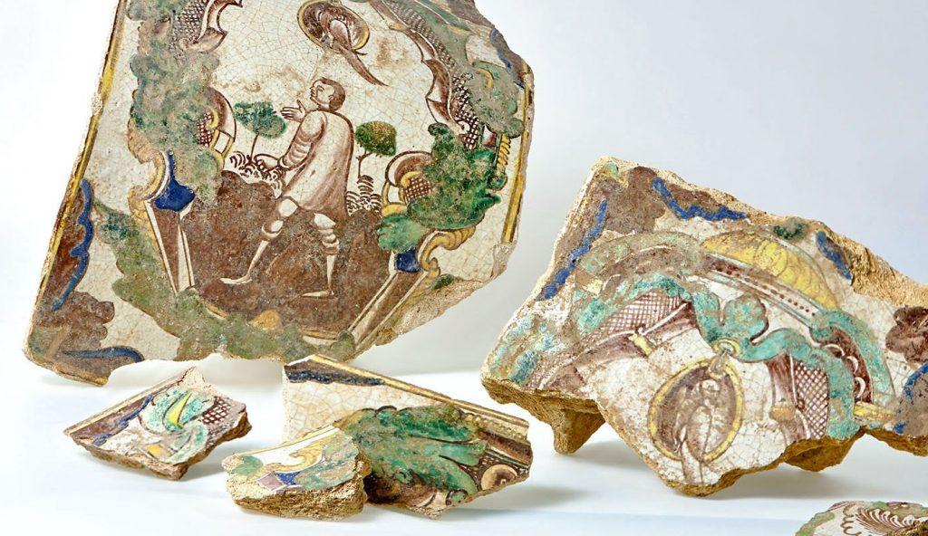 Украшение интерьера из XVI века: виртуальную выставку изразцов запустили в Музее «Садовое кольцо». Фото: сайт мэра Москвы