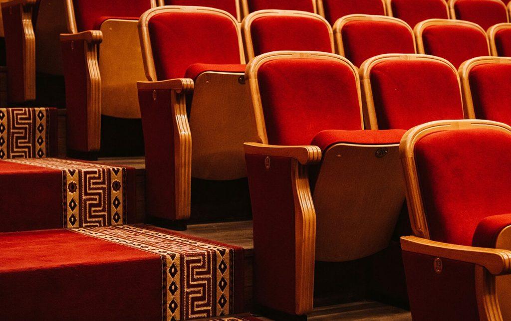 Что делать по Чернышевскому: спектакль по известному роману покажут в соцсетях Таганского парка