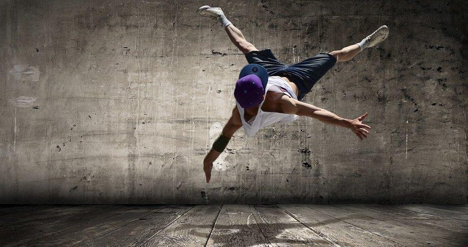 Хип-хоп для всех: мастер-класс по современным танцам состоится в соцсетях «Новослободского». Фото: pixabay.com