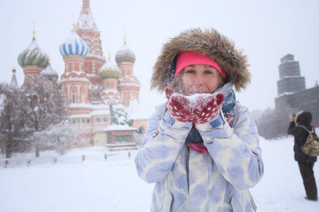 Новый снегопад в Москве продлится до вечера четверга