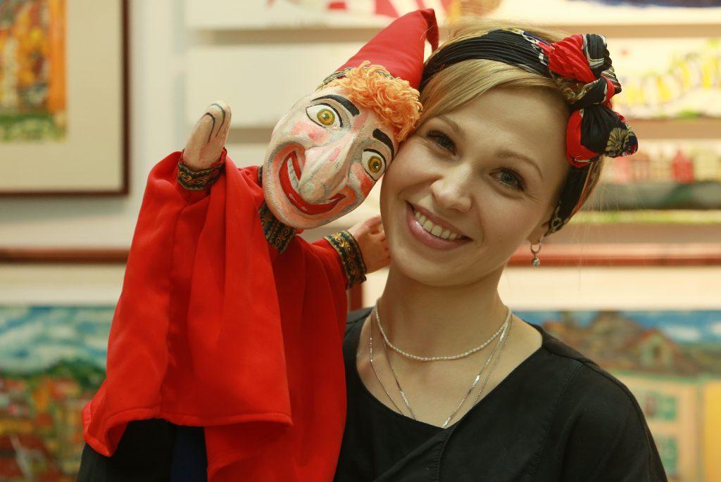 Фотофакт: Участница выставки «Искусство куклы» Ирина Дементьева представила ручного Петрушку