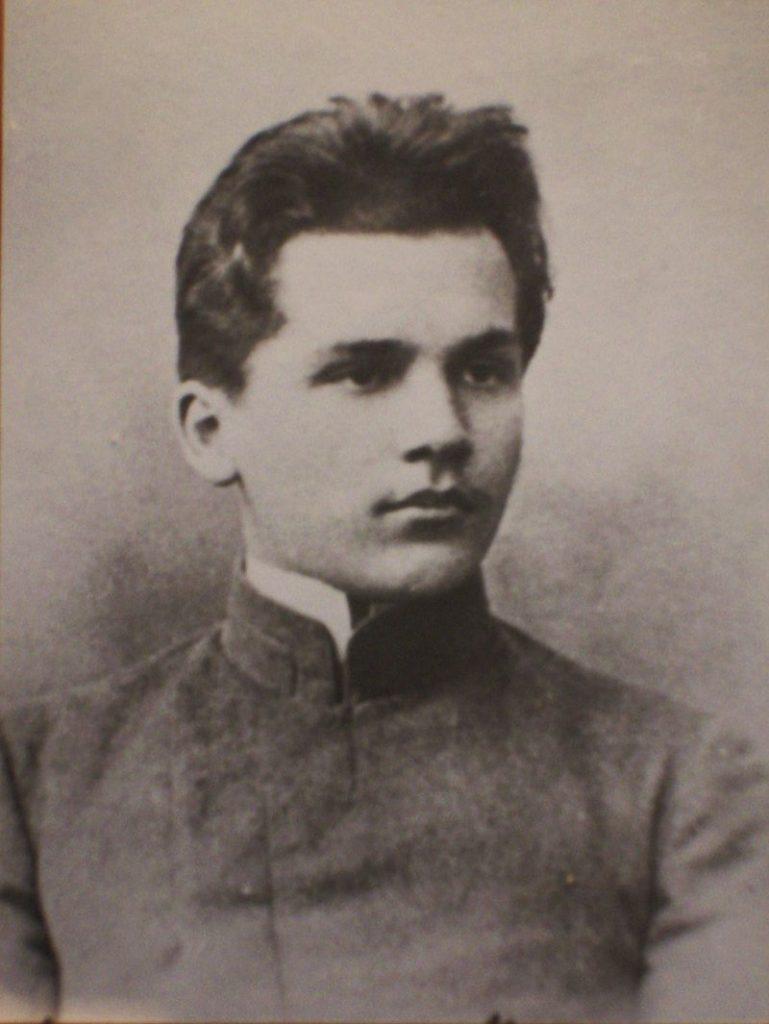 Юный фабрикант помог большевикам из тюрьмы
