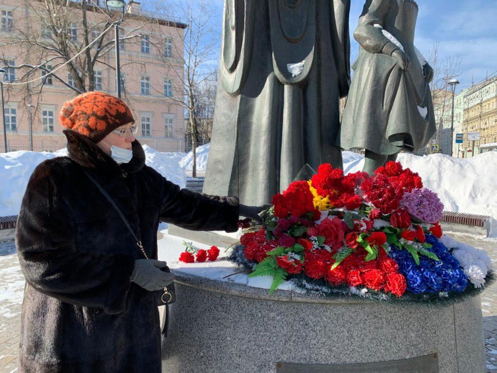 Активисты «Единой России» центра Москвы присоединились к акции «Защитим память героев»