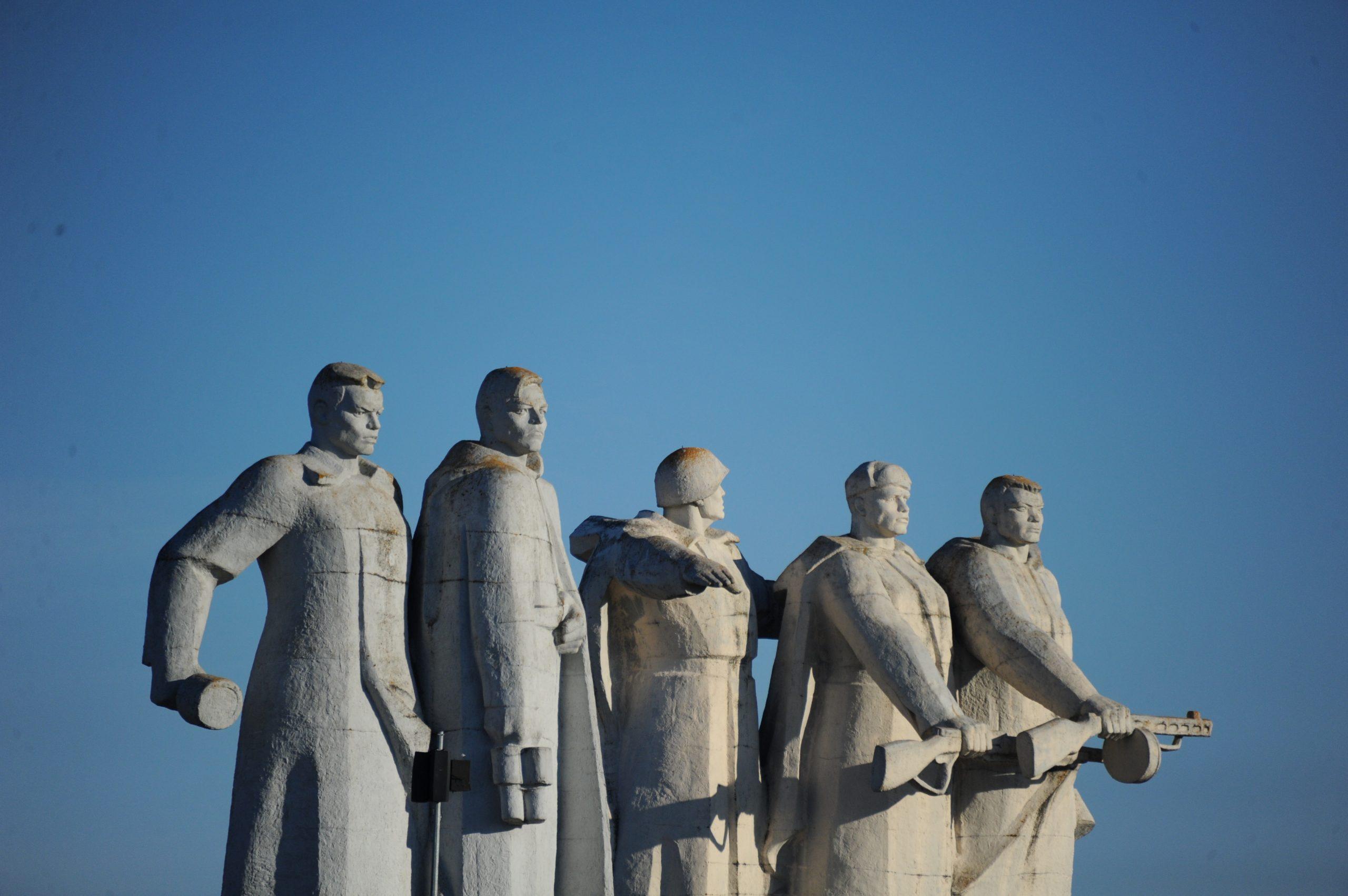 Москвичам рассказали, как отпраздновать 23 февраля не выходя из дома