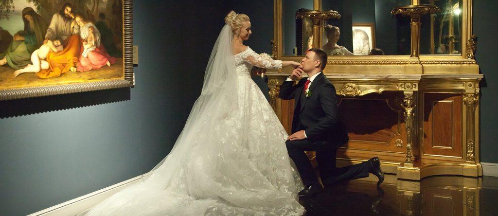 Около шести тысяч пар поженились в необычных местах Центрального округа в 2020 году