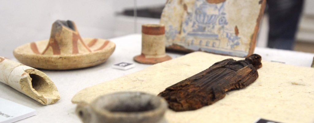 Расчистили и склеили: найденные в центре города артефакты передадут в музеи