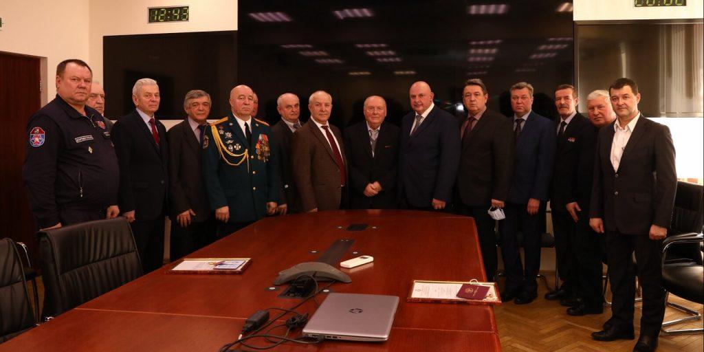 В Департаменте ГОЧСиПБ поздравляют сотрудников с Днем защитникаОтечества