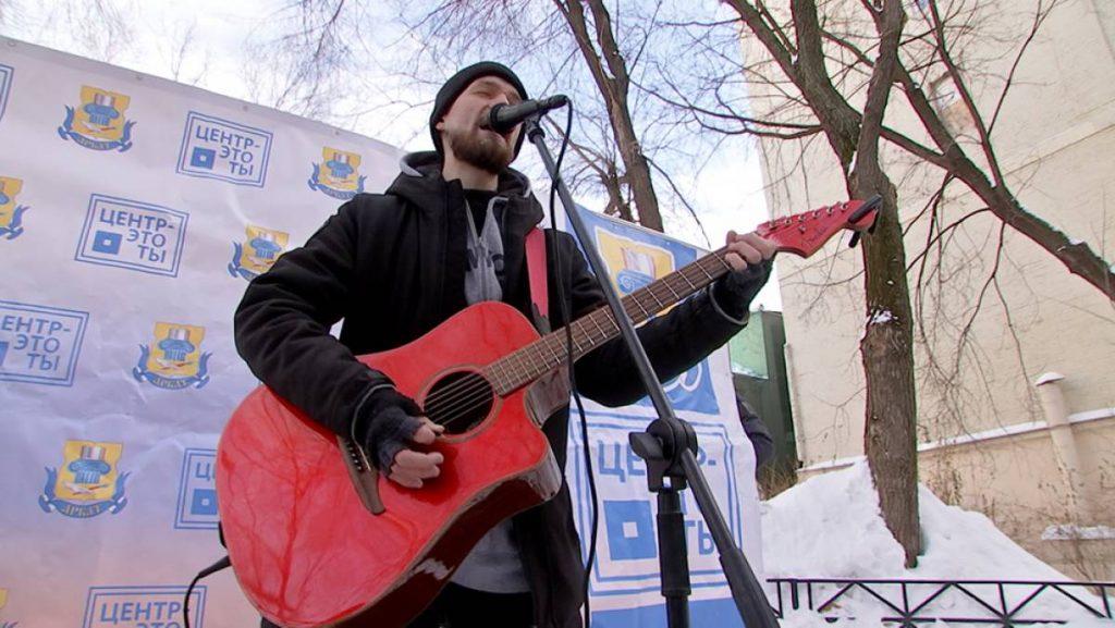 В центре Москвы прошли уличные концерты для ветеранов