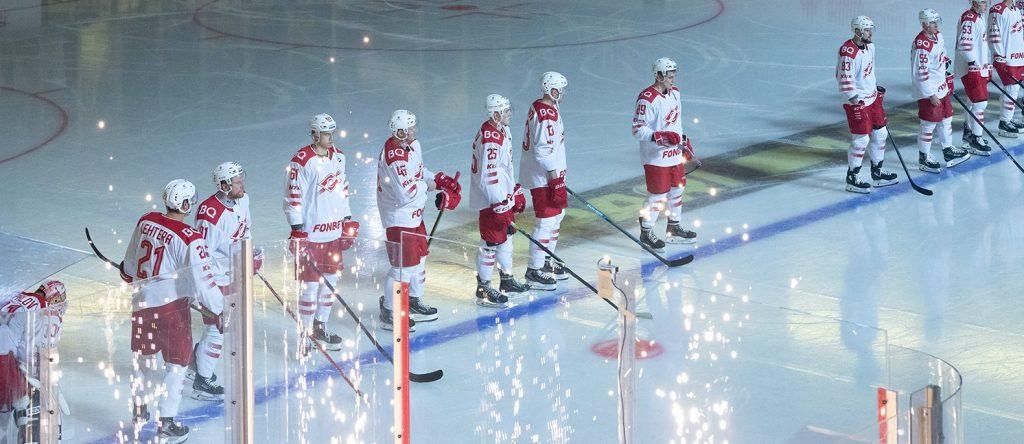 Один сезон — девять побед: хоккеисты Плехановки приняли участие в игре