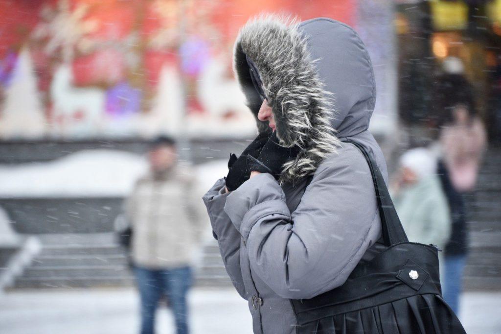 Москвичам пообещали снежные заносы в воскресенье