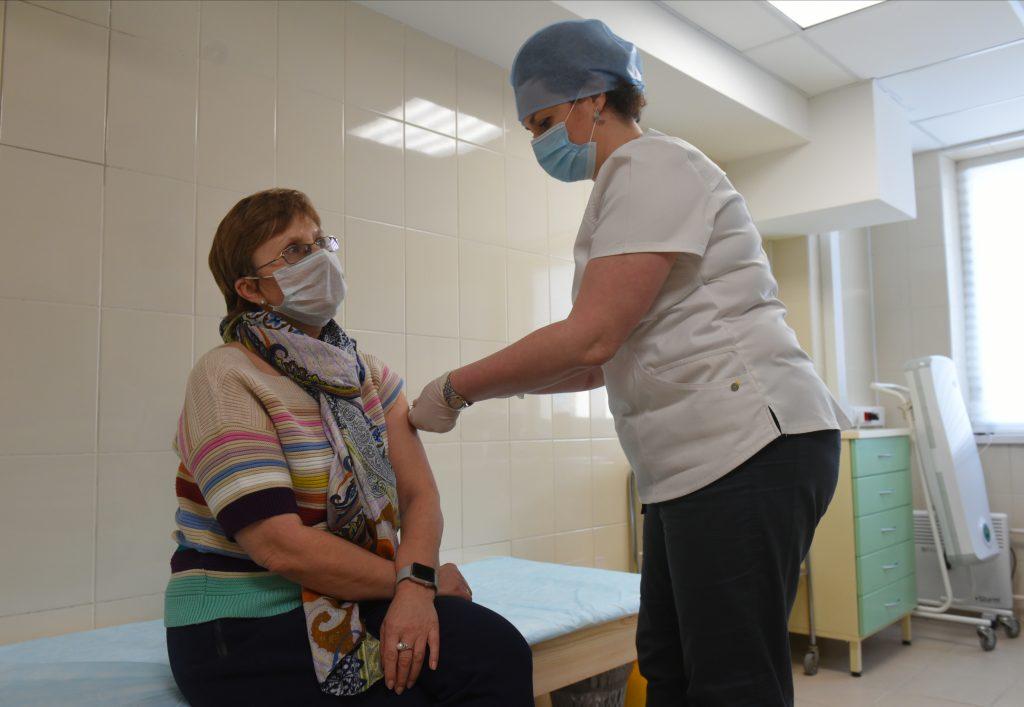 Вакцинация улучшит ситуацию с вирусом