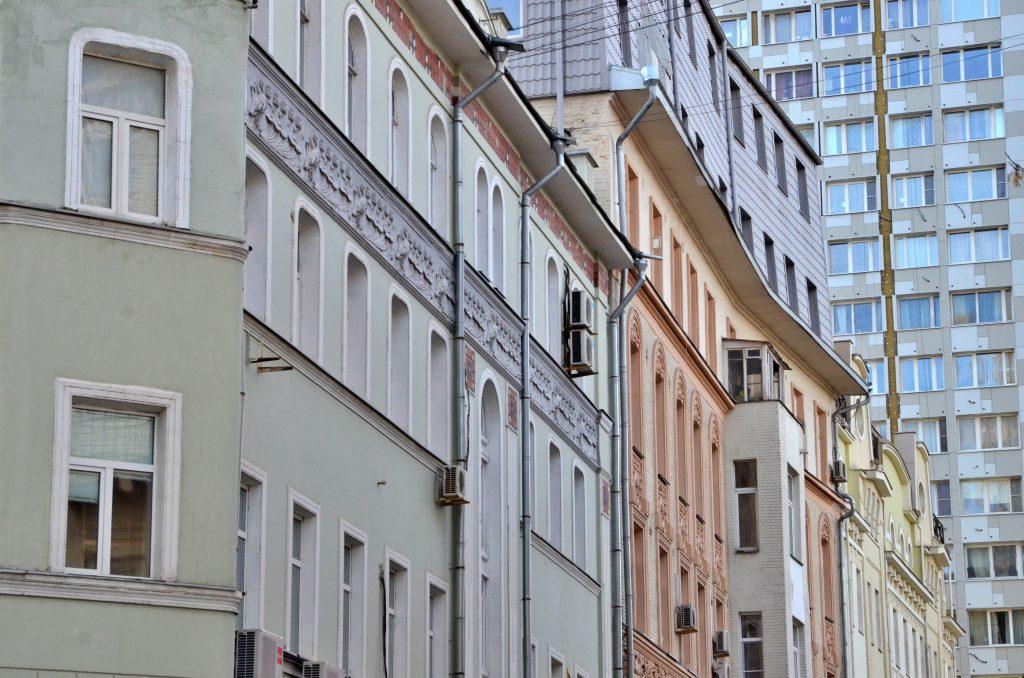 Места общего пользования в жилых домах приведут в порядок на Арбате. Фото: Анна Быкова