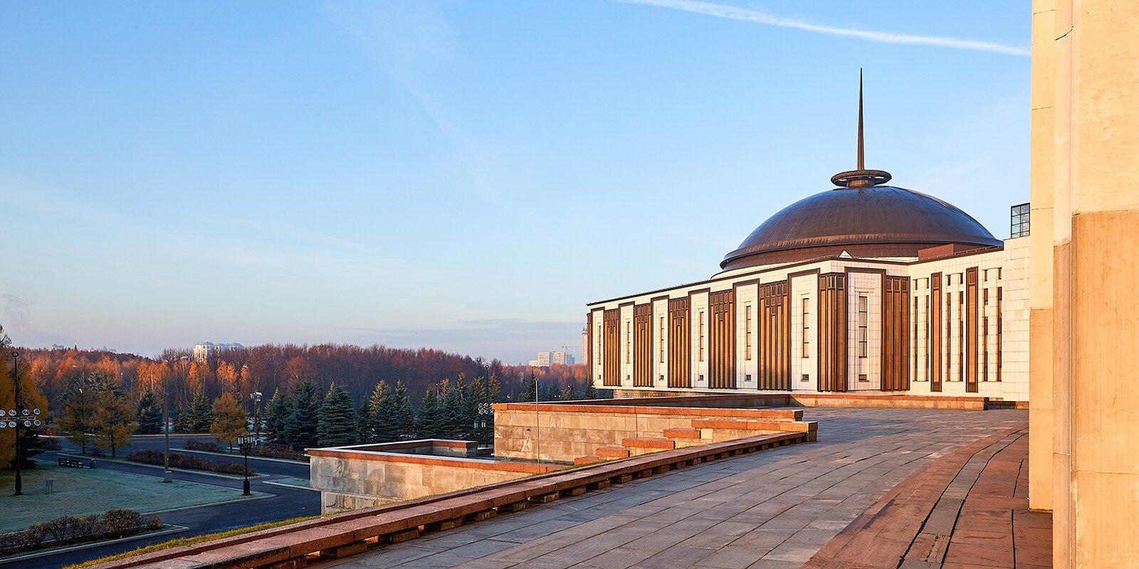Первый межрегиональный телемост, посвященный 80-летию парада 1941 года прошел в музее Победы на Поклонной горе. Фото: сайт мэра Москвы