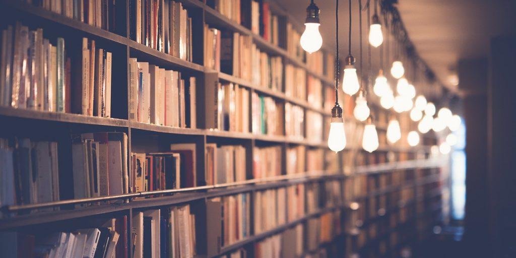 Семь коротких пьес Аркадия Аверченко прочтут в «Светловке». Фото: pixabay.com