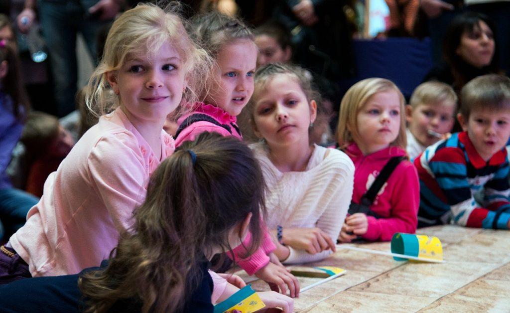 Посетителей Российской детской библиотеки пригласили на спектакль бэби-театра