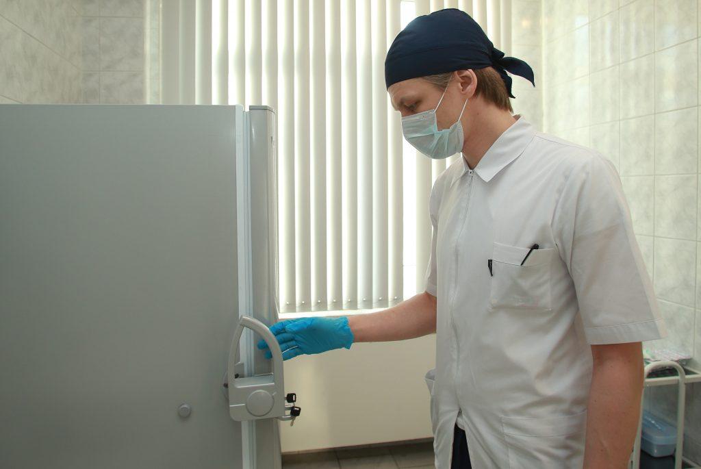 Более 1400 случаев заражения COVID-19 выявили в Москве за сутки