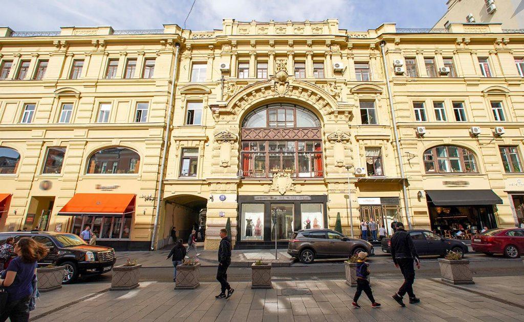 Крыши доходных домов князя Андрея Гагарина и Троицкого подворья отремонтируют