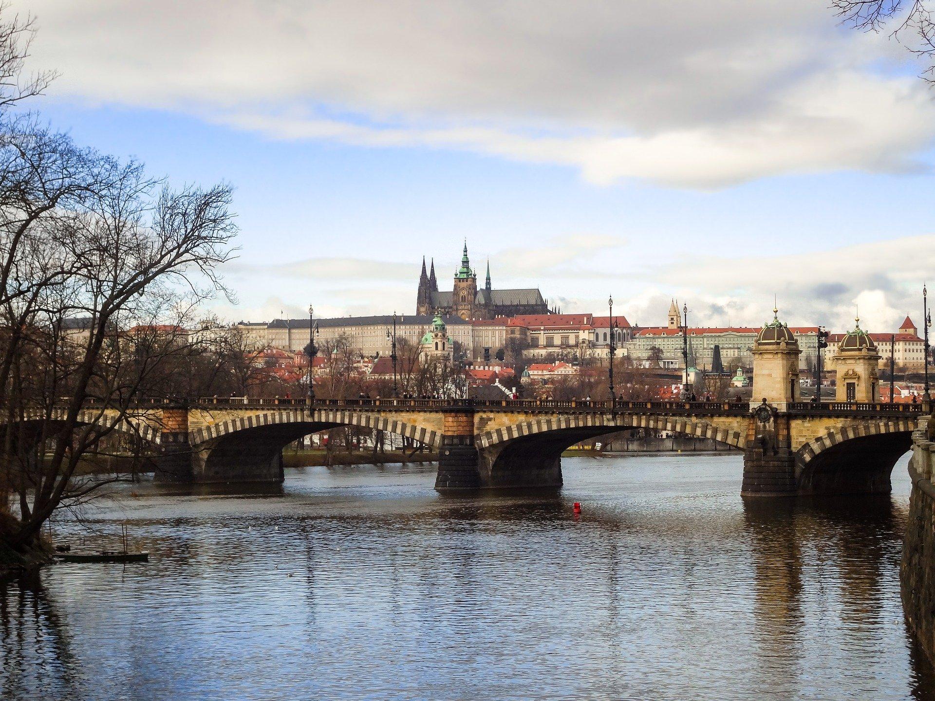 Из-за COVID-19 в Чехии допустили применение «Спутник V» без одобрения ЕС. Фото: pixabay.com