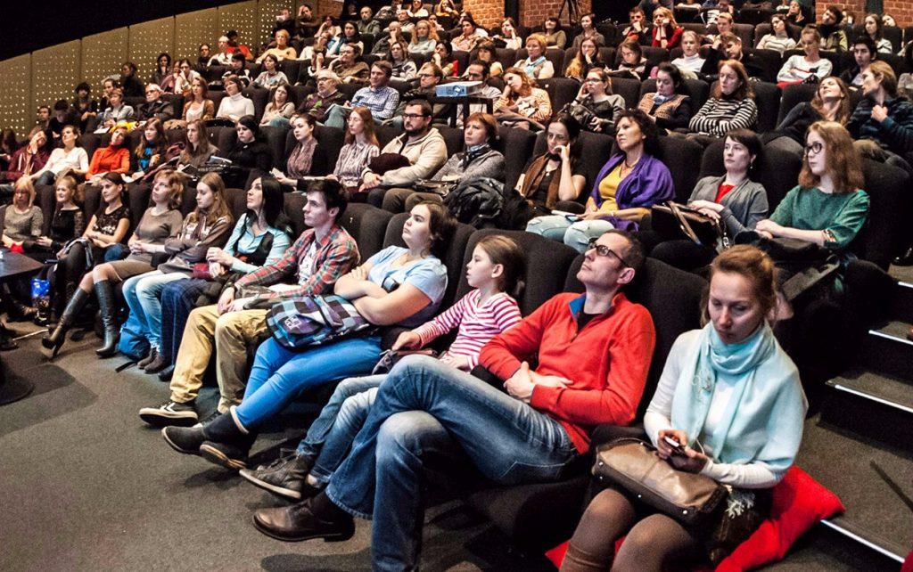 Классика нашего кино: фильм «Трое в лодке, не считая собаки» показали в «Доме Гоголя»