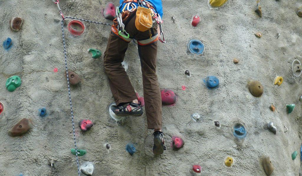 Только вверх: урок скалолазания проведут в Бауманском университете