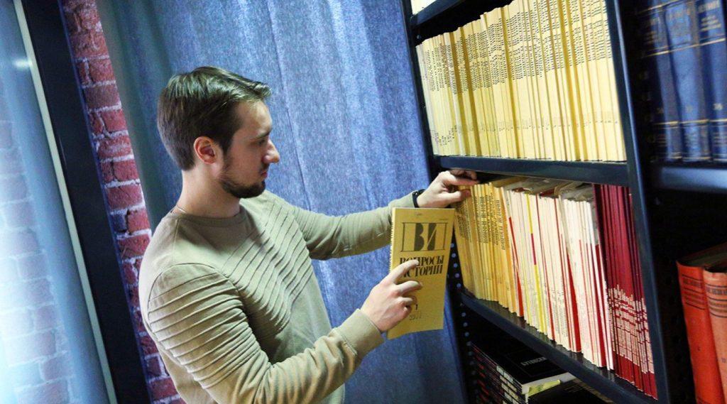 Осторожно, женщины: читка пьесы по ролям состоялась в молодежной библиотеке. Фото: сайт мэра Москвы