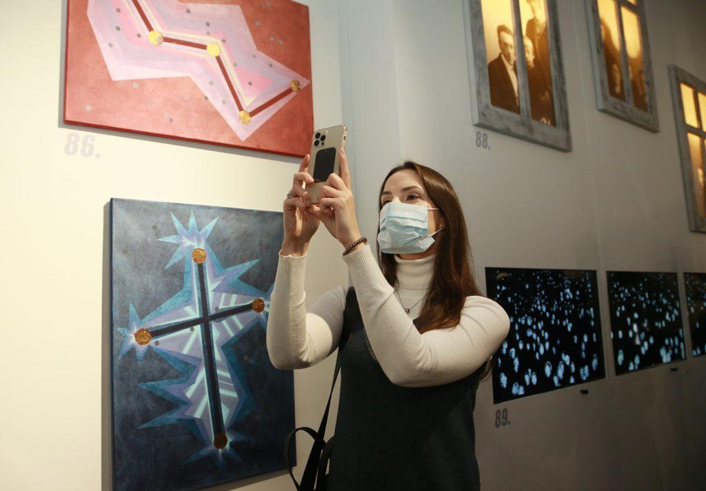 30 марта 2021 года. Посетительница выставки «Полет как мечта» Ольга Коловий