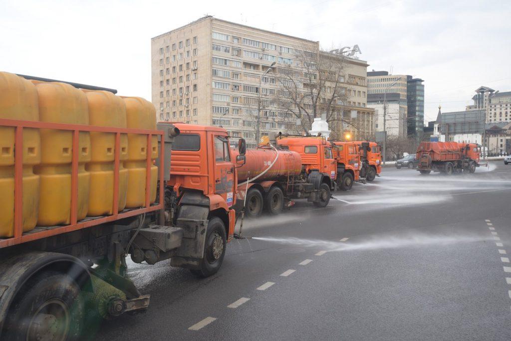Дороги Москвы помоют шампунем после зимы