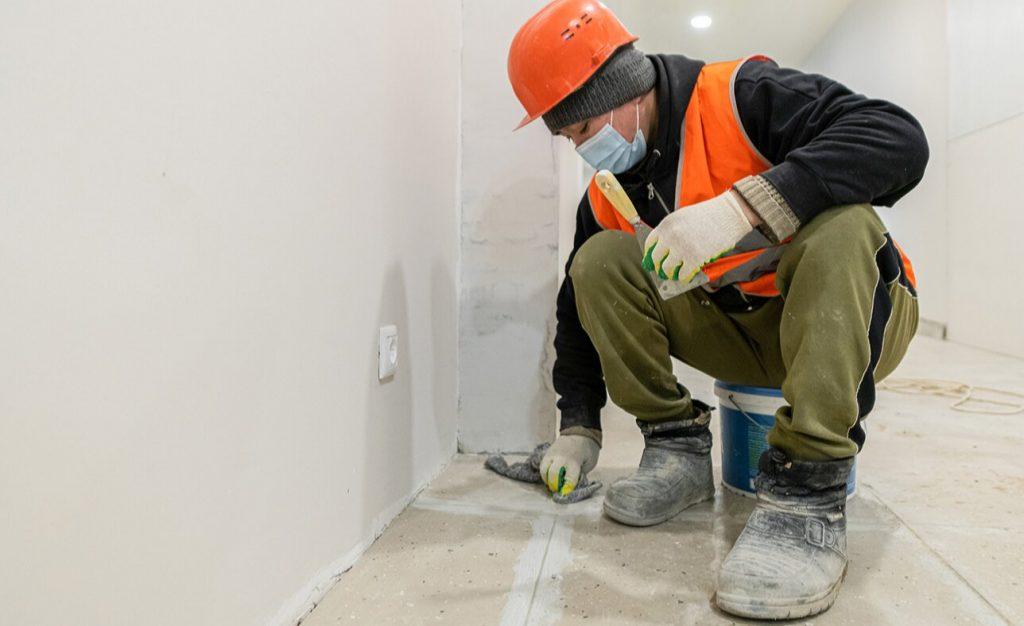 Капитальный ремонт в жилом доме района Якиманка завершат к концу года