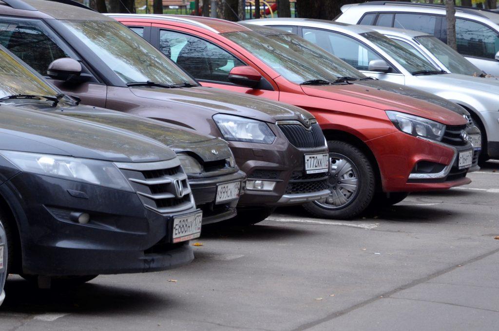 Москва объявила бесплатную парковку на пять дней