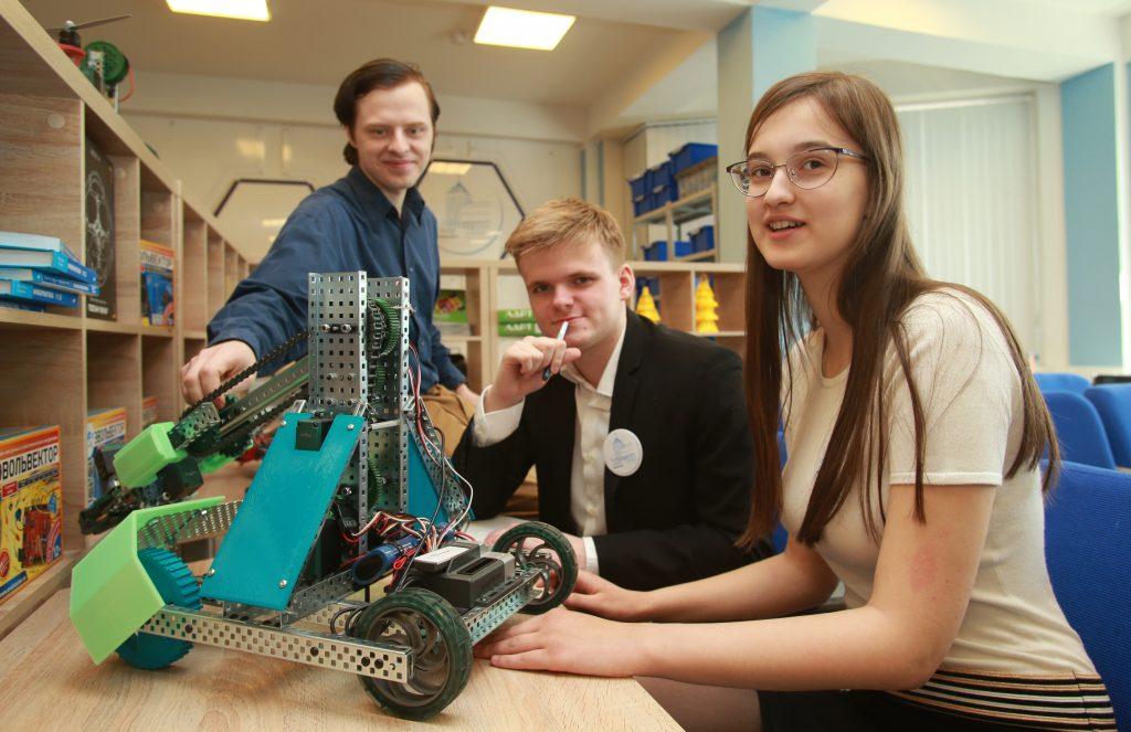 Битва роботов привела школьников к победе