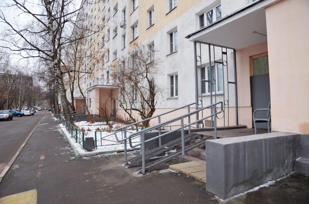 Комплексный ремонт выполнят в подъездах жилых домов в Пресненском районе. Фото: Анна Быкова