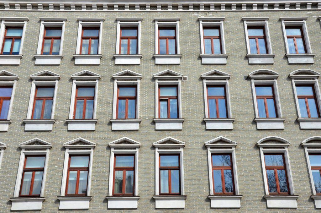 Расходы на жилье в Москве в 2020 году были ниже, чем в других мировых столицах. Фото: Анна Быкова