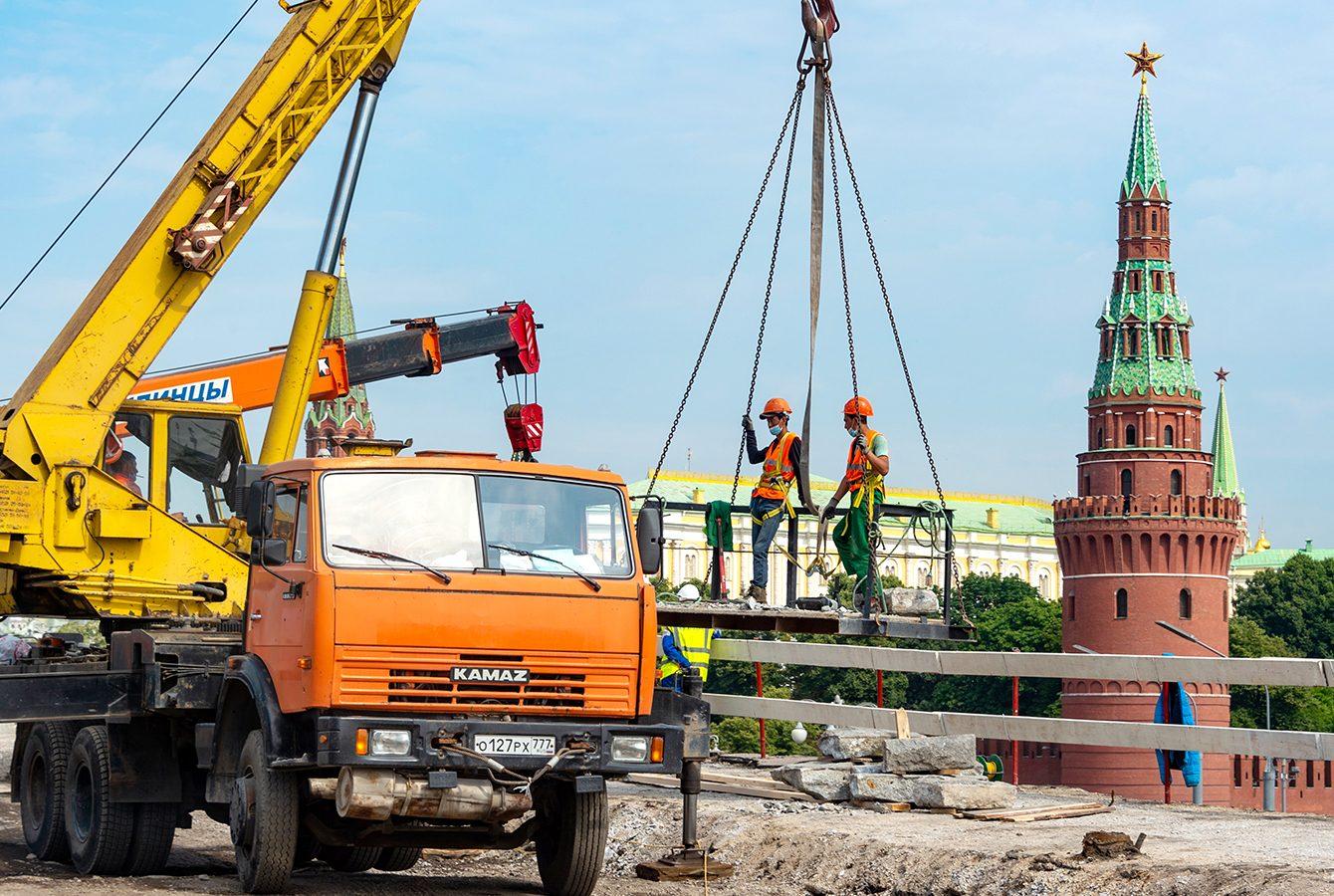 Капитальный ремонт Большого каменного моста завершат в концу лета. Фото: сайт мэра Москвы
