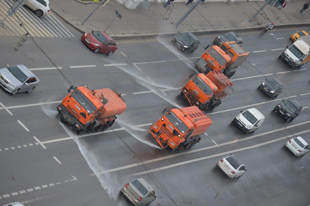 Мойка с шампунем ждет московские дороги в субботу