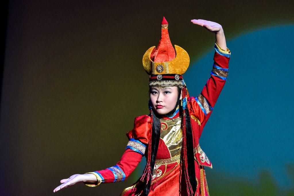 Национальные костюмы народа Калмыкии покажут на выставке в центре «Новослободский»