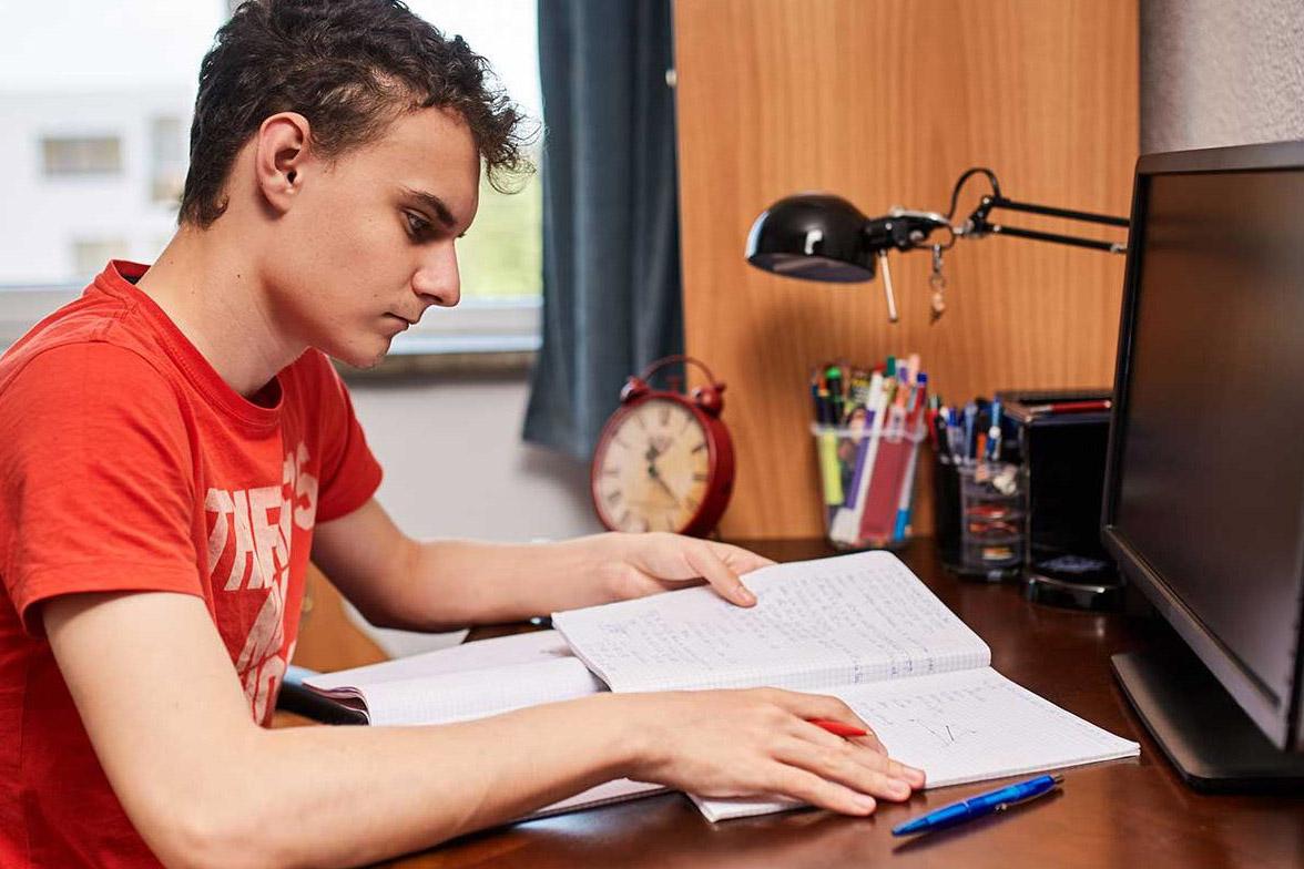 «Цифровой репетитор» теперь доступен во всех школах Москвы. Фото: сайт мэра Москвы