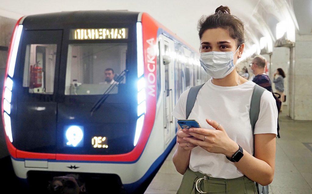 Уличные художники распишут поезд московского метро