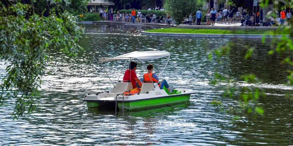 Лодочные станции возобновили работу в парках столицы