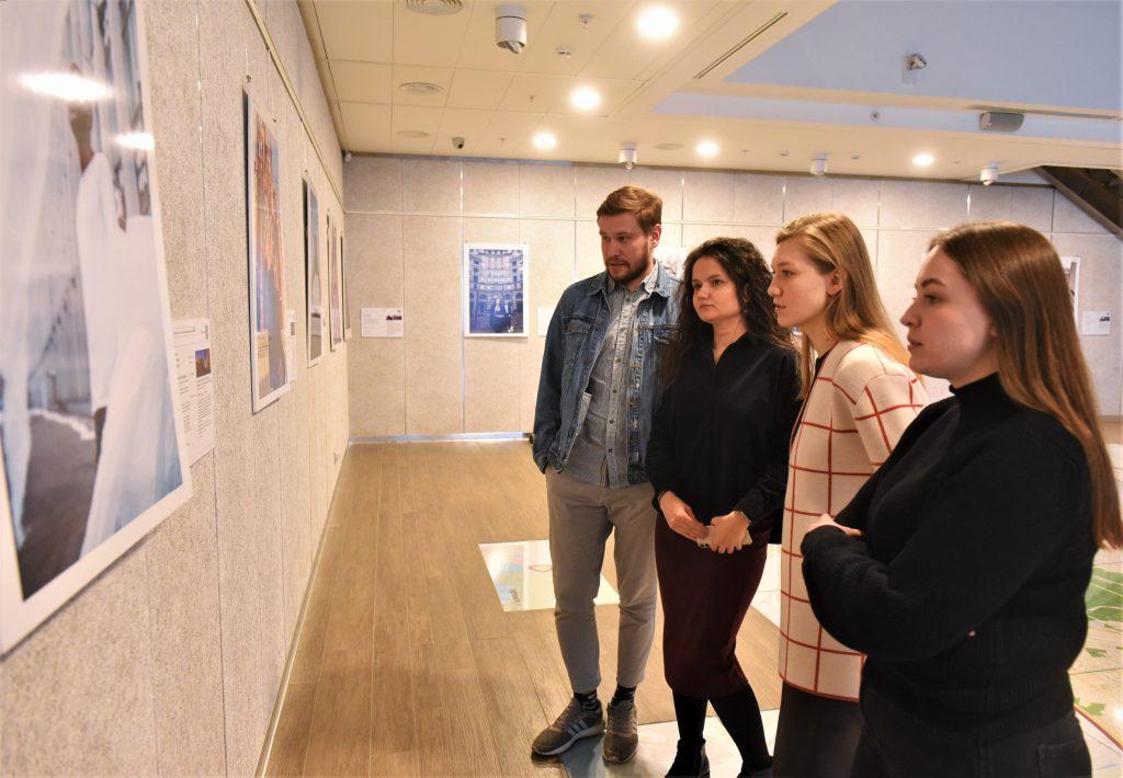 Вперед в будущее: новая номинация открылась в рамках фотовыставки «Дома на Брестской»