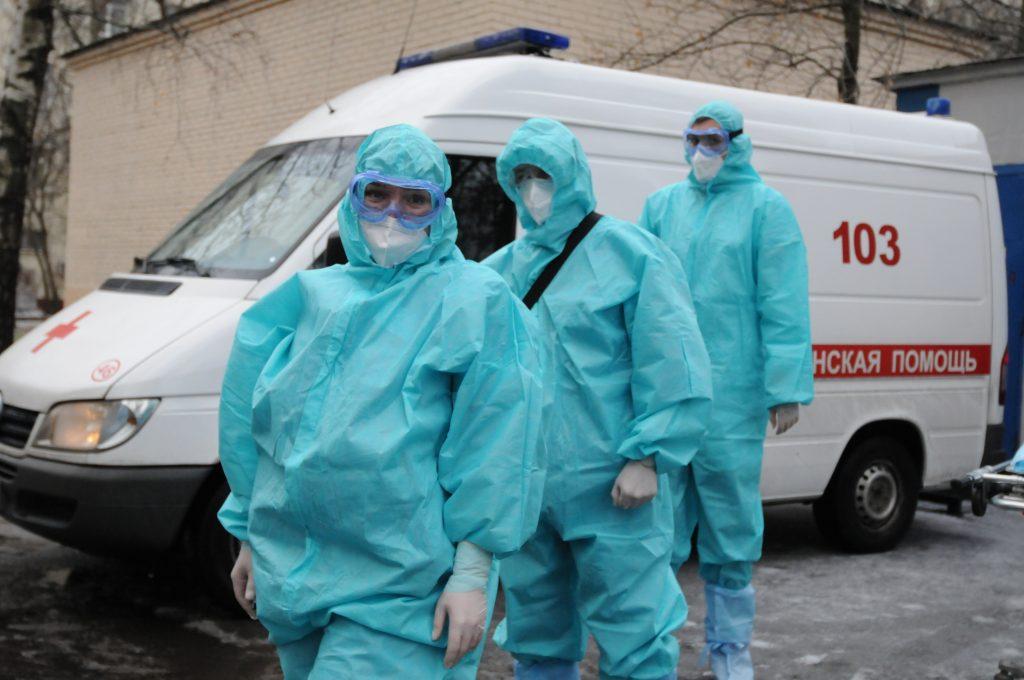 В Москве за минувшие сутки зафиксировали 3241 случай заражения коронавирусом